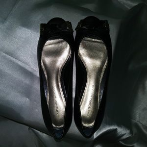 Antonio Melini Flats with Toe Cut Out Black Gold